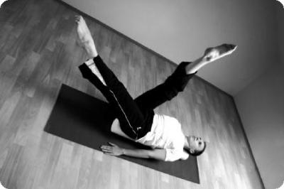 pilates_clinic_daniel_muller_foam_roller_scissors-jpg.jpg